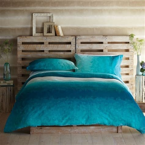 headboard from pallets inexpensive pallet headboards for your bed pallet
