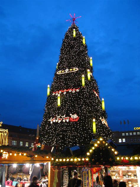 Beautiful Huge Christmas Tree #2: Weihnachtsbaum.JPG