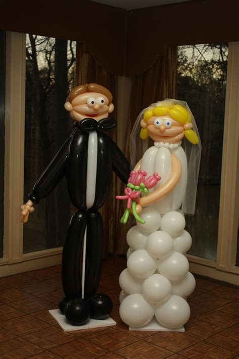 Balon Wedding Groom size balloon and groom for the engagement