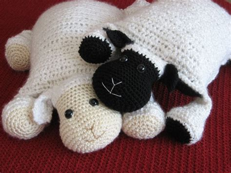Wonderful Diy Tooth Pillow by Wonderful Diy Adorable Knitted Pillow
