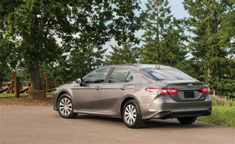 Hybrid Prius Mpg by 2018 Toyota Camry Hybrid S Mpg Will Match The Prius