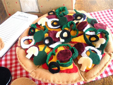 pattern for felt pizza use these free felt food patterns to make great handmade