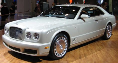 young thug expensive lyrics hop in the bentley 20 inches in up under me cash talk
