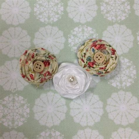 how to make shabby chic fabric flowers via guidecentral