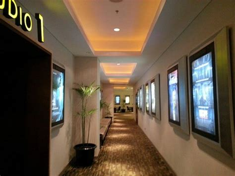 cineplex kuta nice place picture of beachwalk xxi cineplex bali kuta