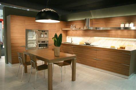 Pareti A Righe In Cucina by Pareti A Righe In Cucina Pittura Per Interni