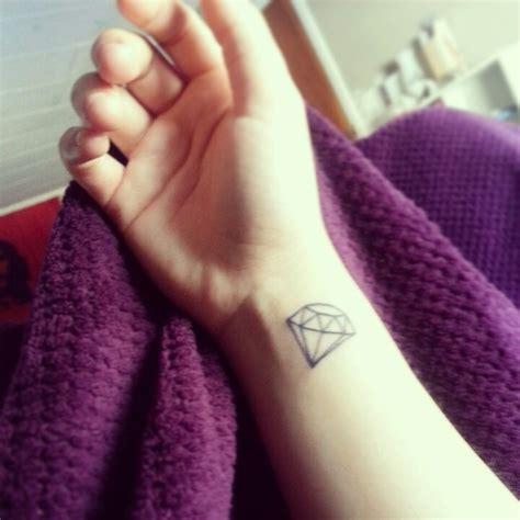diamond tattoo on wrist 56 fantastic wrist diamond tattoos