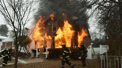 dead  injured  amityville house fire chief