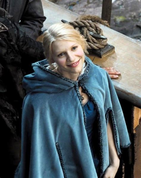 claire danes yvaine stardust yvaine in blue cloak and dress stardust