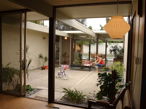homes with interior courtyards midcentury modern with asian influence home on pinterest