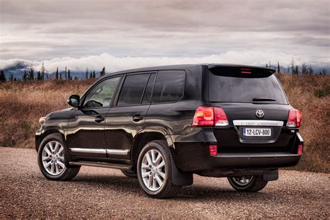 Land Crusier Toyota Facelifted 2013 Toyota Land Cruiser 5 7 V8 Announced For