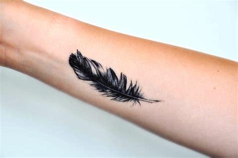 20 kleine feder tattoos ideen und entw 252 rfe 187 tattoosideen com