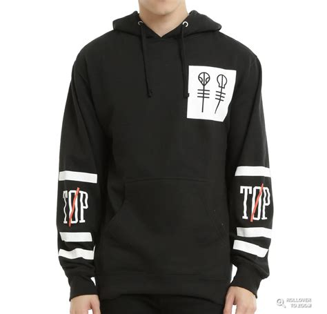 Sweater Twenty One Pilots 4 Dealldo Merch 10 essential pieces of band merch for topic trash popbuzz