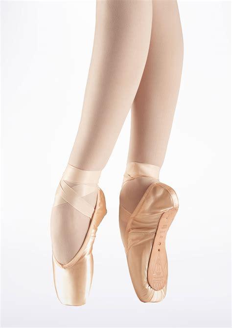 bloch pointe shoes bloch serenade s0131l pointe shoe medium shank move