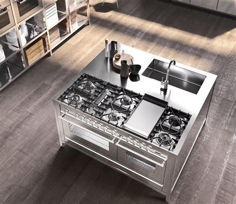 cucine a gas ilve cucine ilve la professionalit 224 in casa cucine d italia