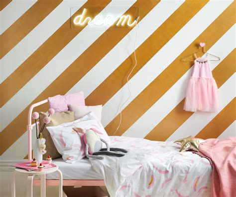 girly accessories for bedroom how to create a girly bedroom scheme