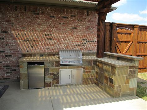 outdoor kitchen against house outdoor kitchen pictures texas best fence