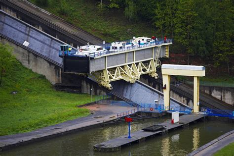french canal boating holidays in alsace ardennes locaboat - Arzviller Boat Lift France