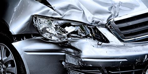 car accidents caused by traffic lights alcohol distracted driving causes fatal accidents in