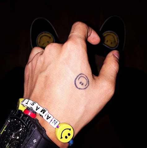 gd tattoo g smiley 1 gdragon smiley