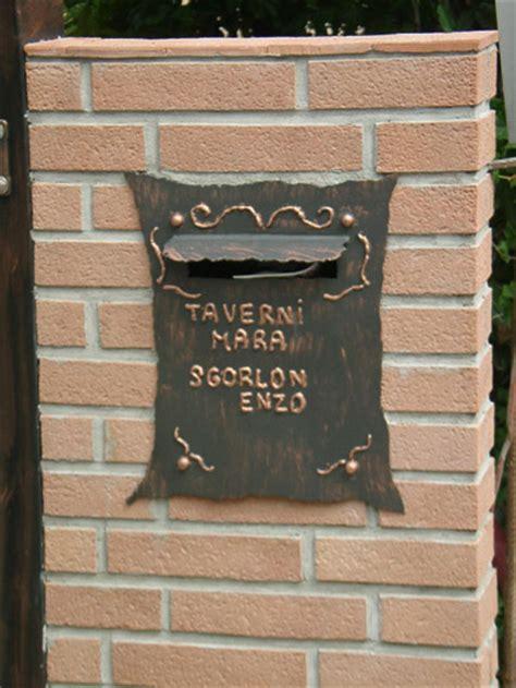 cassetta per la posta lavorazione ferro battuto acciaio e bronzo su disegno