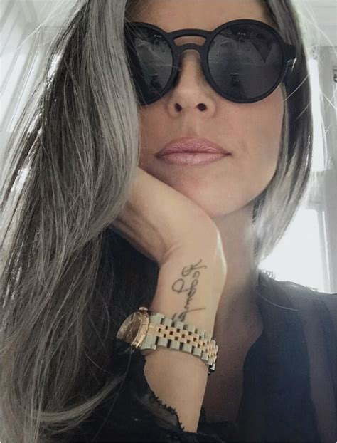 annika von holdt s heartfelt article on going gray 50 going gray のおすすめアイデア 25 件以上 pinterest 優雅に白髪 シルバーの