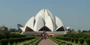 Lotus Temple Delhi S Iconic Lotus Temple Turning Yellow Due To Pollution