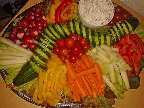 Obst Dekorativ Anrichten by Gurkenschlange Im Gem 252 Sebeet Heike50374 Chefkoch De