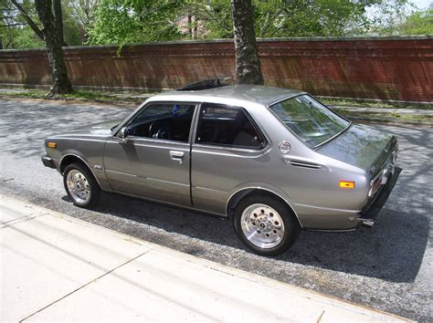 classic toyota corolla 1977 toyota corolla dlx coupe 2 door 1 6l classic toyota
