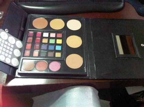 Makeup Kit Professional Wardah Kosmetik review wardah makeup kit special edition saubhaya makeup