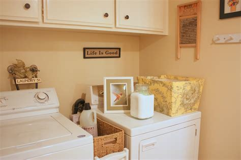 Decorating Ideas For Small Laundry Rooms Amazing Ideas For Laundry Room 7 Small Laundry Room Decorating Ideas Newsonair Org