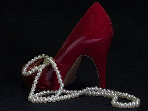 Shewelry Jewelry For Your Shoes by Shoe Sparkle How To Pair Your Shoes With Your Jewelry