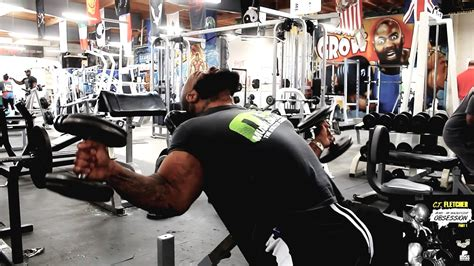 ct fletcher bench ct fletcher demonstrates t curls a bicep exercise from