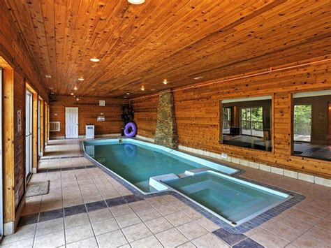 chalets on table rock lake vrbo tremendous 4br chalet style house in branson vrbo