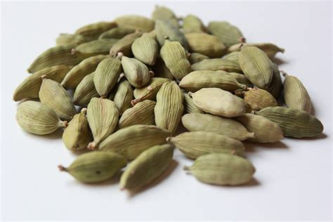 cardamom nation 8 reasons why you should use cardamom