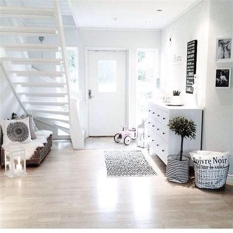 Flur Ideen Instagram by Flur Eingang In Wei 223 Schwarz Ideen Rund Ums Haus