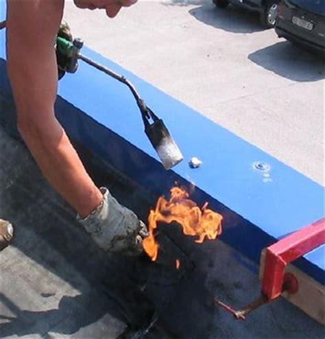 impermeabilizzazione terrazzo guaina bituminosa o mapelastic posa in opera guaina bituminosa fibra di ceramica isolante