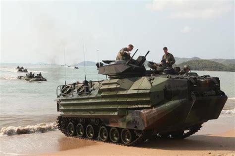 hibious vehicle marines marine aav