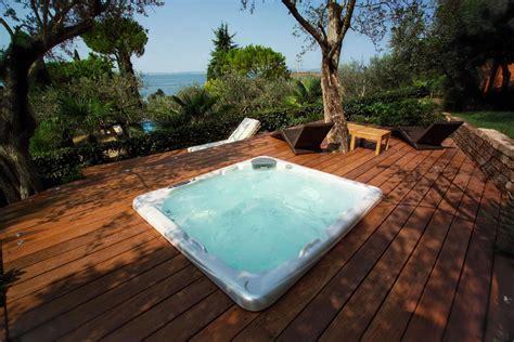 piscina da esterno prezzi minipiscine idromassaggio da esterno piscine castiglione
