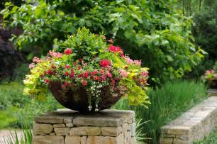 how to make garden containers garden design personal touch landscaping gardening
