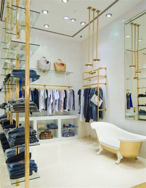 retail layout adalah ide desain interior distro bernuansa minimalis sporty