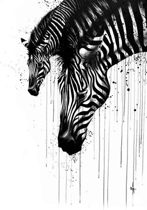 El trabajo de SIT que hace ilustraciones con tinta negra