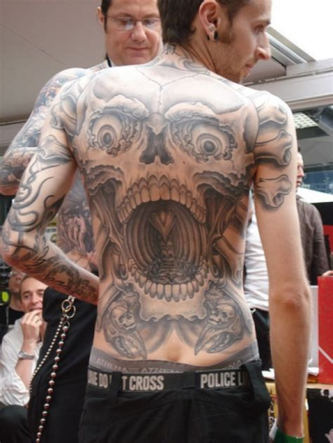 outrageous tattoos extraordinary and outrageous skull tattoos
