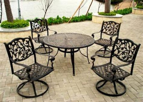 Pelham Bay Bistro Table Bistro Patio Sets Lowes Patio Building