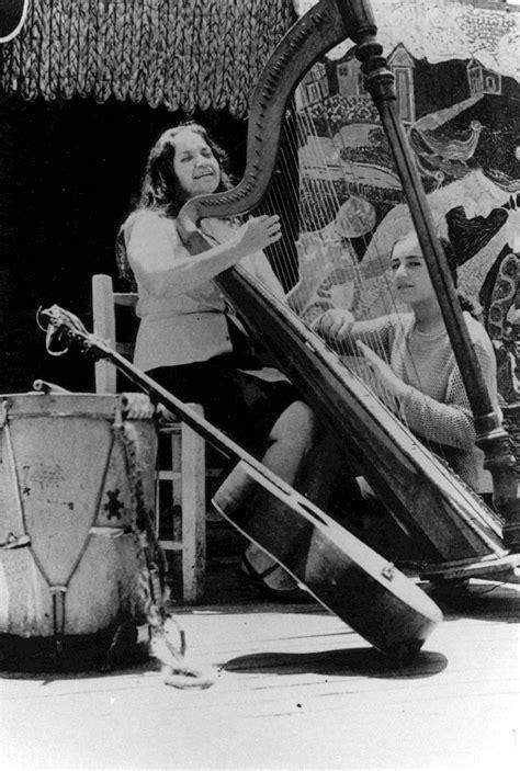 Música Política Americana: Violeta Parra, a maior de todas...