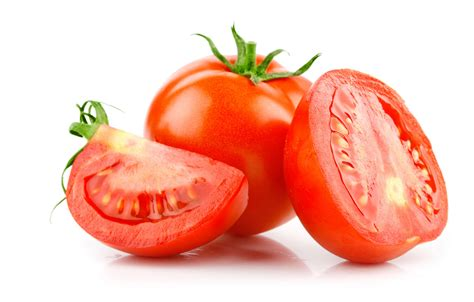 tomates cuisin馥s filet de bar r 244 ti tartare de tomates et gaspacho jean