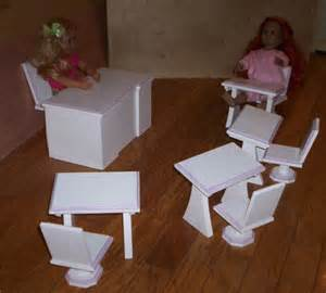 doll school desk and 4 student desks and chairs