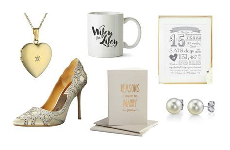 Best Wedding Day Gift Ideas: From the Groom to the Bride