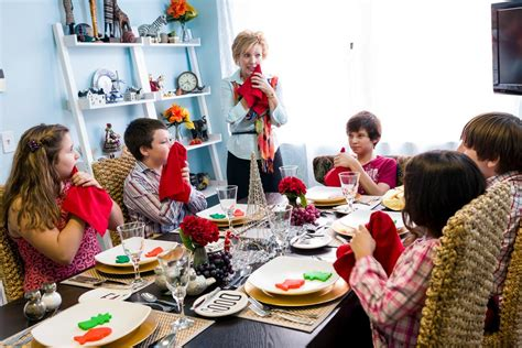 new year dinner etiquette eat drink be teaching children manners the new