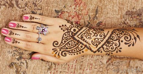 what is a henna tattoo with pictures